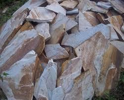Photo of Made in Cameroon : La pierre de Pouma menacée par les carreaux chinois