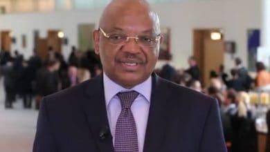 Photo of Bourse : Jean-Claude Ngbwa, prend les rênes de la Bourse des valeurs mobilières de l'Afrique centrale (BVMAC)