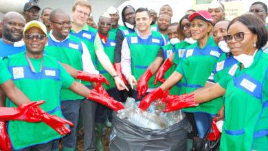 Photo of Environnement : Nestlé Cameroun et le Groupe SABC contre la pollution marine