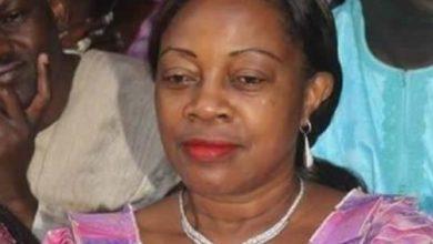 Photo of Madame Mebe Ngo'o au tribunal pour 5 millions FCFA