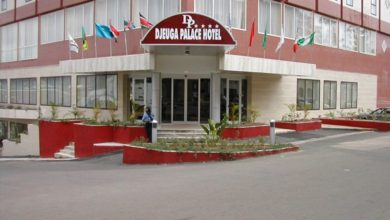 Photo of Djeuga hôtel traîne des employés en justice