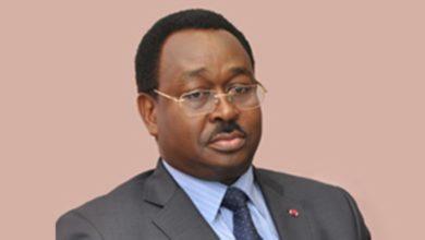 Photo of Ibrahim Talba Malla suspend deux membres de commissions de passation de marchés