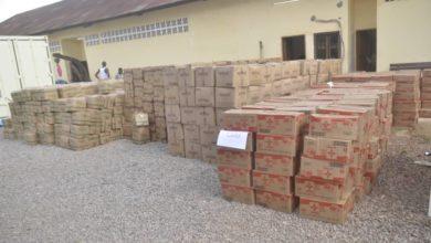 Photo of Lutte contre le Covid-19 : Nestlé Cameroun offre 2000 cartons de produits laitiers et bouillons culinaires