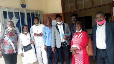 Photo of Roger Mbassa Ndine face aux  doléances des ex-délégués du personnel réintégrés