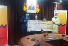 Photo of SCB Cameroun offre 40 millions de FCFA pour la lutte contre le Coronavirus
