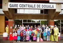 Photo of Camrail remet des kits scolaires aux enfants des victimes de la catastrophe d'Eseka